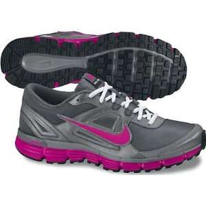 NIKE WMNS NIKE DUAL FUSION ST (WOMENS) Sports & Outdoors