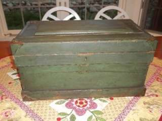 SMALL PRIMITIVE GREEN ANTIQUE WOODEN STORAGE TOOL  BOX TRUNK