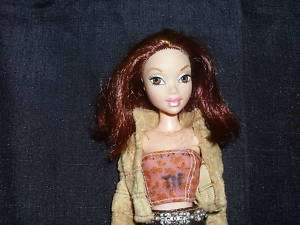 MY SCENE CHELSEA DOLL W/CLOTHES/SHOES.PURSE