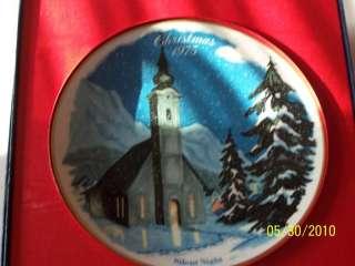 Danbury Mint Christmas Plate    1975