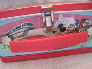 VINTAGE WALT DISNEY WORLD ON ICE METAL LUNCH BOX 1980 GREAT GRAPHICS
