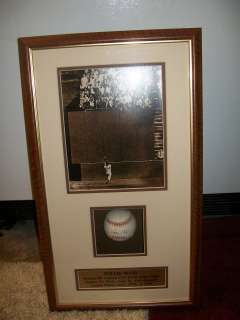 WILLIE MAYS AUTO AUTOGRAPH SIGNED BASEBALL SHADOW BOX 1954 CATCH