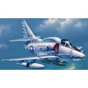 A4M Skyhawk Carrier Launched Ground Attack Aircraft Kit Toys & Games