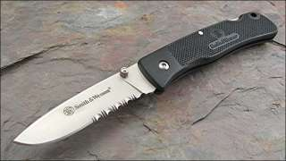 smith wesson checkered black handle lockback knife s w folder lockback